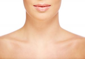 Mulher com Preenchimento Labial